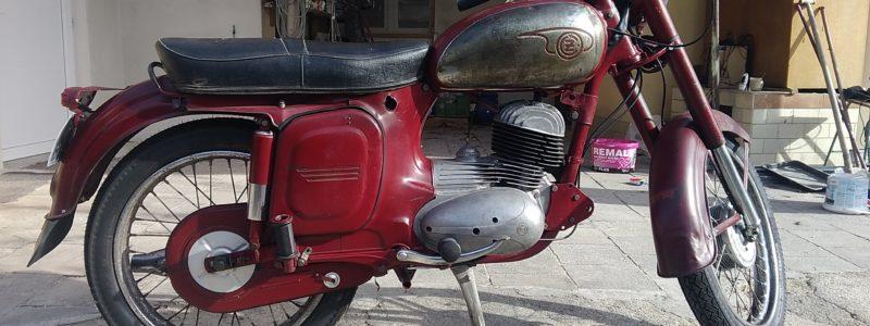 P 20181102 113237 800x300 - Osobní sbírka motocyklů