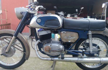2 460x300 - ČZ 175 typ 477 z roku 1970