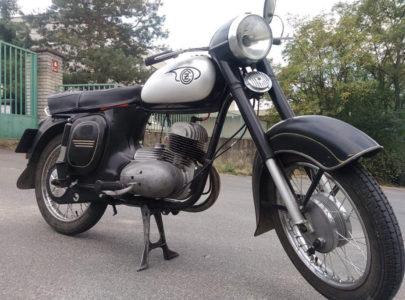 ČZ 125 typ 453 z roku 1961 – Srpnová projížďka