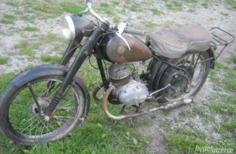 9860799 cz 150 c 11 460x300 - ČZ 150 C z roku 1951
