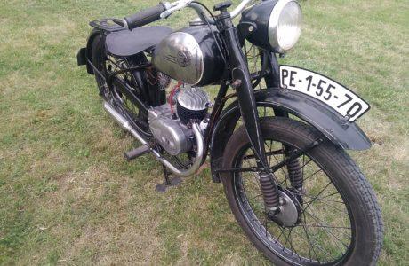P 20180501 191521 460x300 - ČZ 125 T z roku 1948