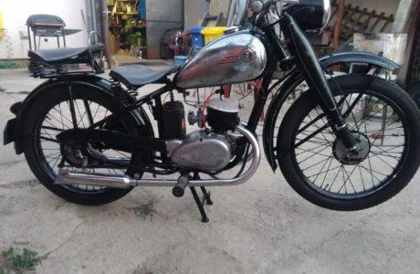 P 20180618 210951 460x300 - ČZ 125 T z roku 1948