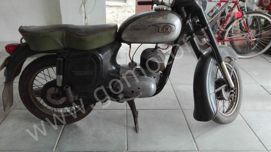 received 10203603284919870 - ČZ 125 typ 453 z roku 1961