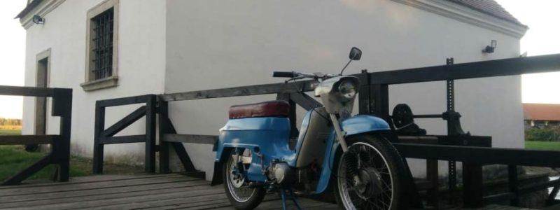P 20171015 174031 2048x1152 800x300 - Osobní sbírka motocyklů