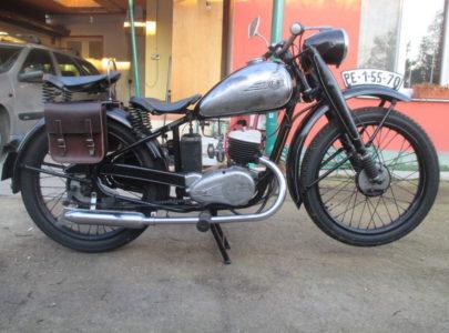 ČZ 125 T z roku 1948 – Kožené brašny