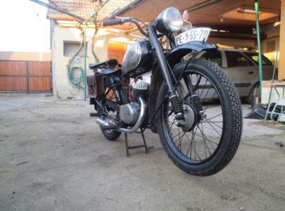 ČZ 125 T z roku 1948 – Zimní start