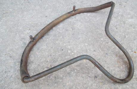 ČZ 150 C z roku 1951 – Výměna gumového potahu sedla 24 460x300 - ČZ 150 C z roku 1951 - Výměna gumového potahu sedla