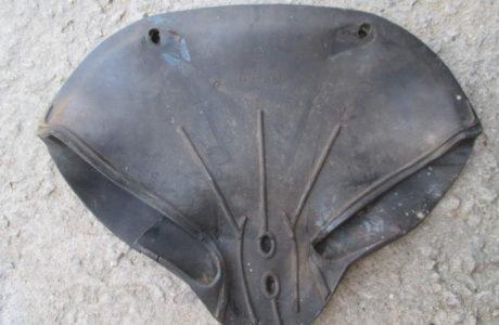 ČZ 150 C z roku 1951 – Výměna gumového potahu sedla 25 460x300 - ČZ 150 C z roku 1951 - Výměna gumového potahu sedla