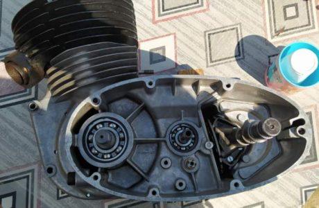 Z 250 typ 455 z roku 1961 Skládání motoru 12 460x300 - ČZ 250 typ 455 z roku 1961 - Skládání motoru