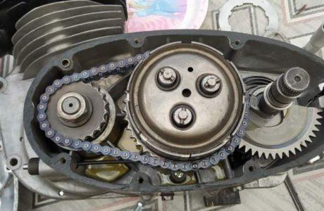 Z 250 typ 455 z roku 1961 Skládání motoru 13 460x300 - ČZ 250 typ 455 z roku 1961 - Skládání motoru