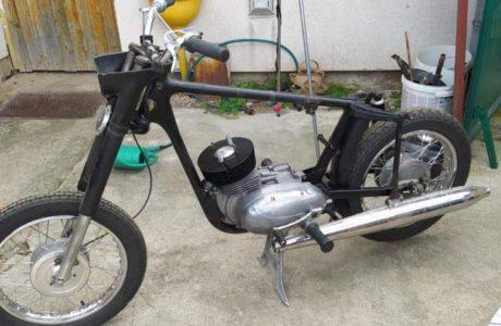 Z 250 typ 455 z roku 1961 Skládání motoru 15 460x300 - ČZ 250 typ 455 z roku 1961 - Skládání motoru
