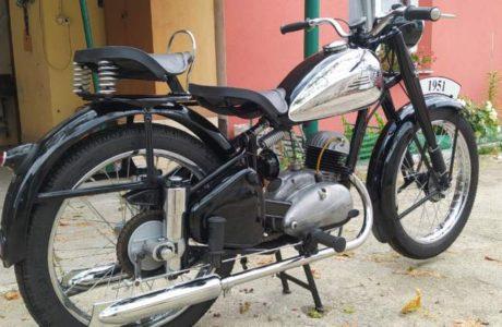 Z 150 C z roku 1951 Madlo spolujezdce 6 460x300 - ČZ 150 C z roku 1951