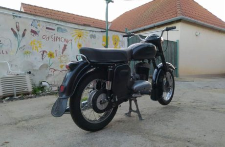 Z 250 typ 455 z roku 1961 – Skládání 12 460x300 - ČZ 250 typ 455 z roku 1961