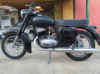ČZ 250 typ 455 z roku 1961 – Skládání