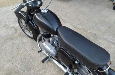 Z 250 typ 455 z roku 1961 – Skládání 18 460x300 - ČZ 250 typ 455 z roku 1961