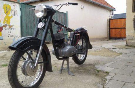 Z 250 typ 455 z roku 1961 – Skládání 3 460x300 - ČZ 250 typ 455 z roku 1961