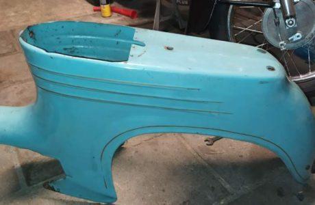 Jawa 50 typ 555 z roku 1959 – Vraceni puvodni barvy 35 460x300 - Jawa 50 typ 555 z roku 1959