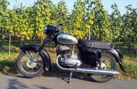 CZ 250 typ 455 z roku 1961 Nova nadrz 6 460x300 - ČZ 250 typ 455 z roku 1961