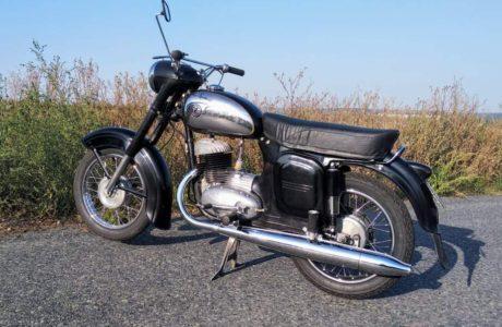CZ 250 typ 455 z roku 1961 Nova nadrz 9 460x300 - ČZ 250 typ 455 z roku 1961