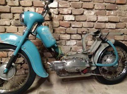 Jawa 50 typ 555 z roku 1959 – GO motoru – skládání
