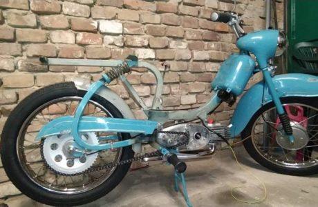 Jawa 50 typ 555 z roku 1959 – Skladani 3 460x300 - Jawa 50 typ 555 z roku 1959