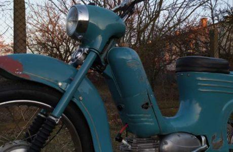 Jawa 50 typ 555 z roku 1959 Po restaurovani 10 460x300 - Jawa 50 typ 555 z roku 1959 - Po restaurování