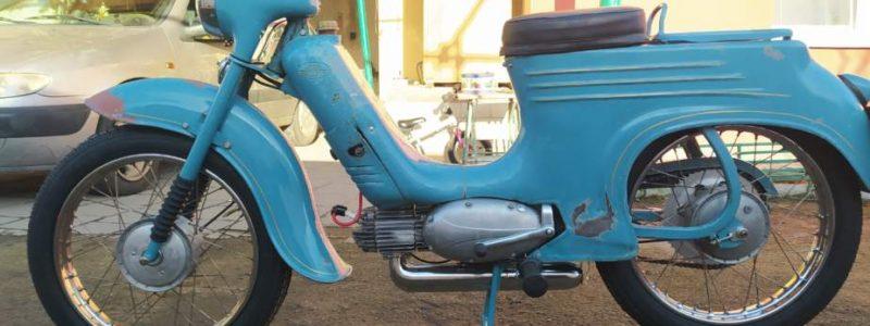 Jawa 50 typ 555 z roku 1959 Finale 17 800x300 - Osobní sbírka motocyklů