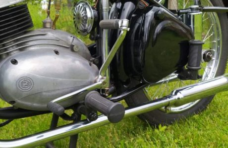 CZ 150 C z roku 1951 – Oprasena po dvou letech 7 460x300 - ČZ 150 C z roku 1951 – Oprášena po dvou letech