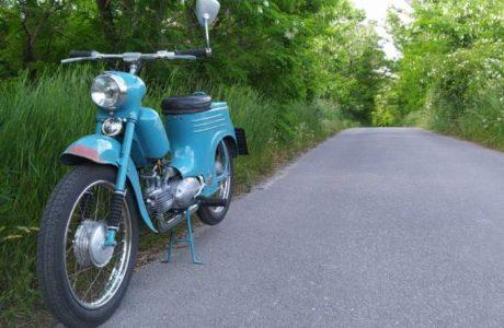 Jawa 50 typ 555 z roku 1959 Prvni vetsi projizdka 2 460x300 - Jawa 50 typ 555 z roku 1959 - První větší projížďka