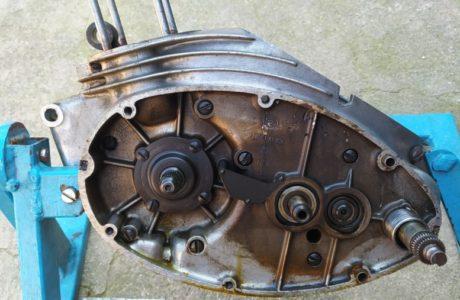 CZ 150 C z roku 1951 Generalni oprava motoru 23 460x300 - ČZ 150 C z roku 1951 - Generální oprava motoru