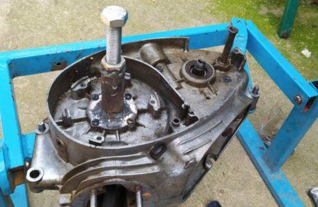 CZ 150 C z roku 1951 Generalni oprava motoru 26 460x300 - ČZ 150 C z roku 1951 - Generální oprava motoru