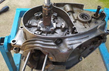 CZ 150 C z roku 1951 Generalni oprava motoru 27 460x300 - ČZ 150 C z roku 1951 - Generální oprava motoru