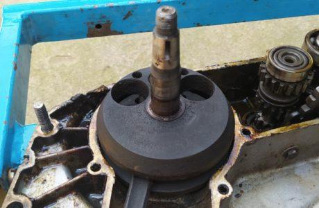 CZ 150 C z roku 1951 Generalni oprava motoru 35 460x300 - ČZ 150 C z roku 1951 - Generální oprava motoru